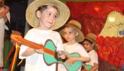 παιδιά που ασχολούνται και μαθαίνουν από την μουσική
